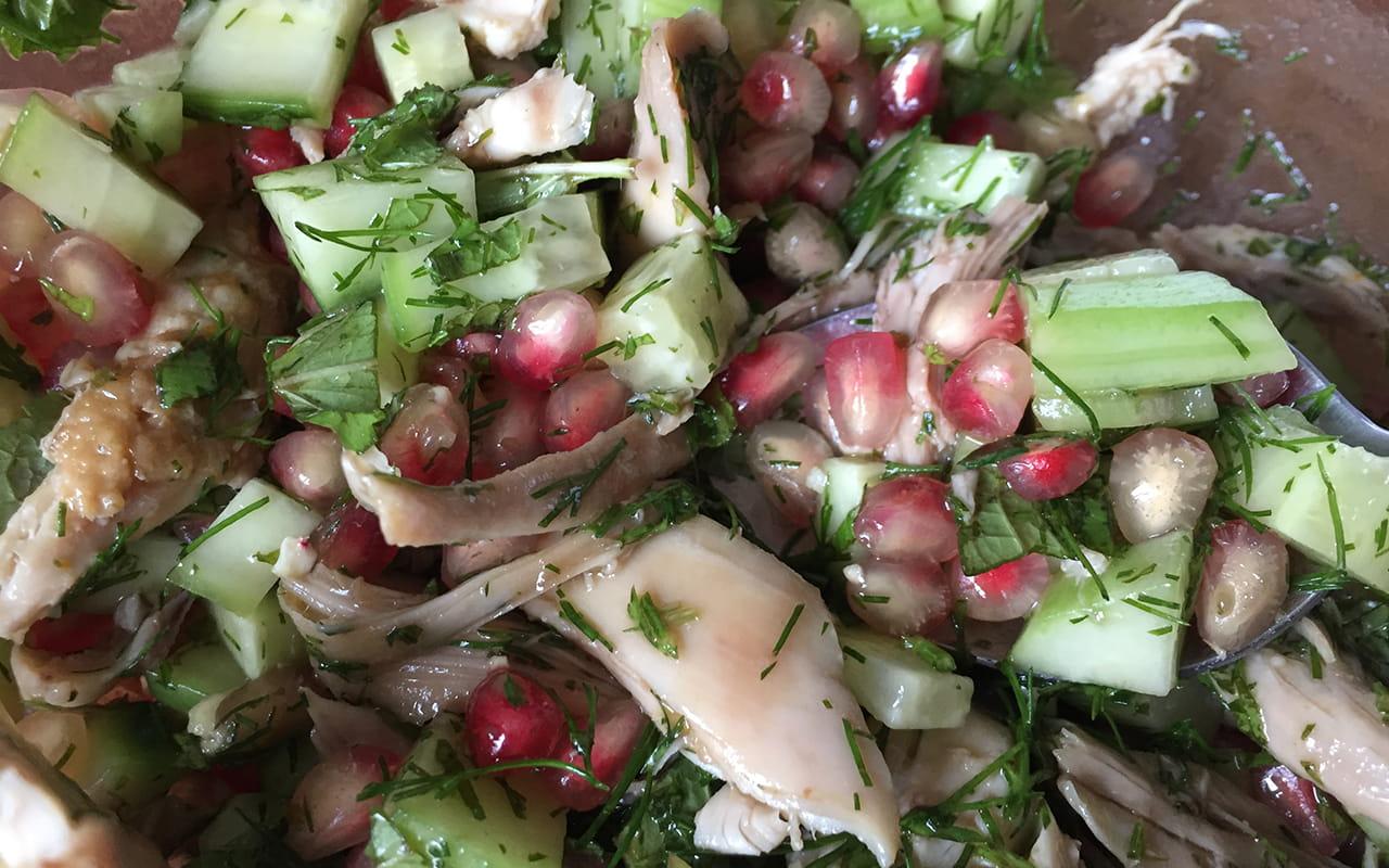 autoimmunhilfe-rezepte-granatapfelsalat-mit-huhn