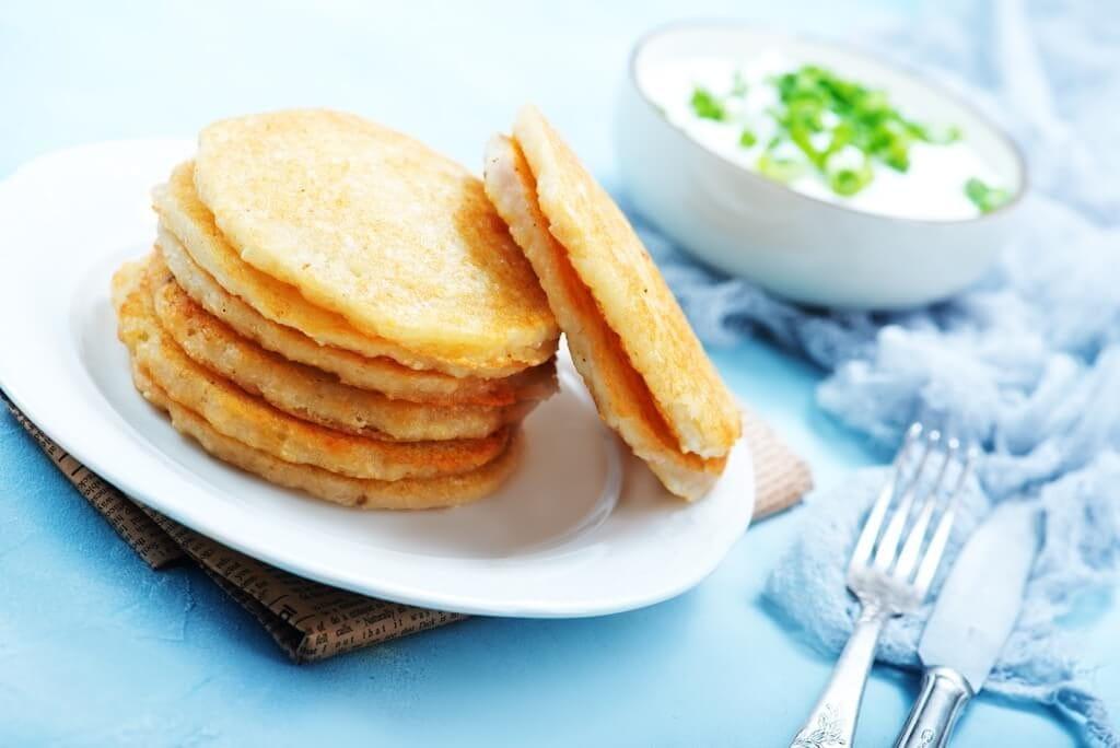 Maniokpfannkuchen mit Kräuterfüllung